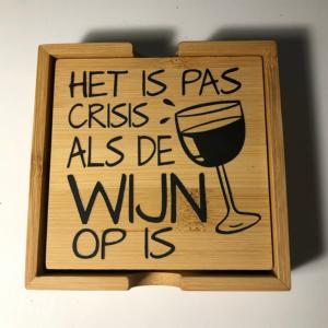 onderzetters met leuke wijn teksten. HB-Creations Tilburg Reeshof.